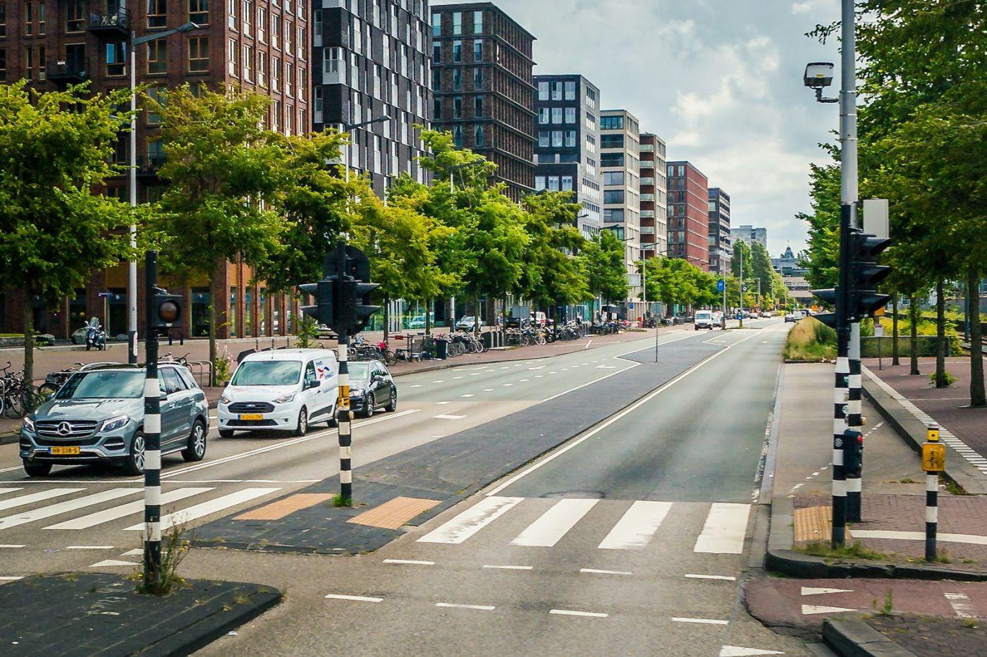 荷兰阿姆斯特丹,穿梭的自行车_图1-7