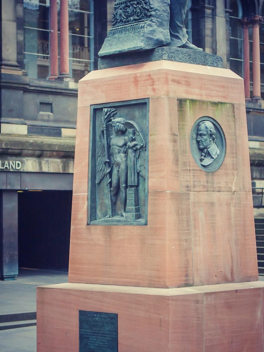 苏格兰爱丁堡,仰头望去_图1-25