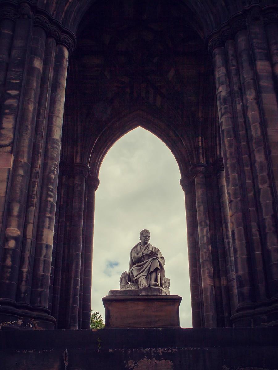 苏格兰爱丁堡,仰头望去_图1-1