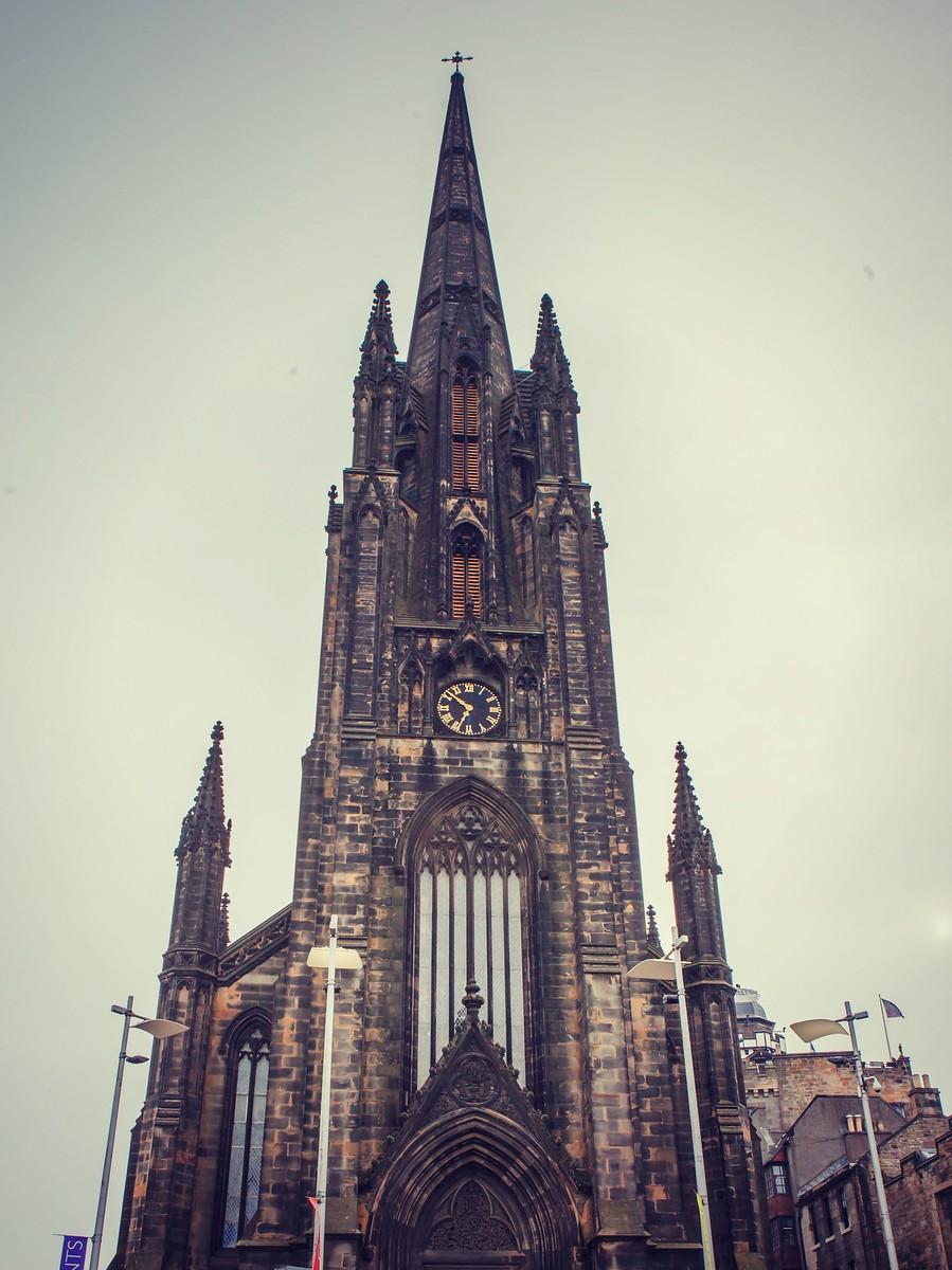 苏格兰爱丁堡,仰头望去_图1-2