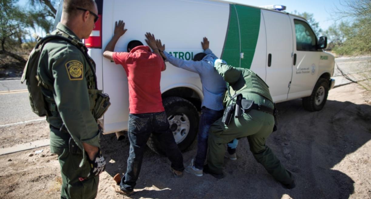 特朗普抵制非法移民政策已产生实效_图1-4