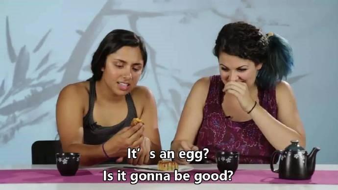 高娓娓:美国人对各种月饼的反应!里面居然有个蛋?藤椒牛肉令人疯狂! ..._图1-7