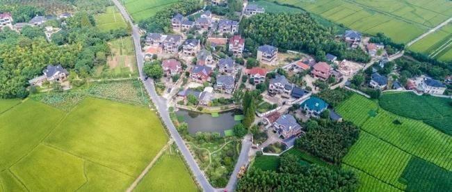 中国人在农村有房的恭喜你有好事了!国家新政策来了、这下身价要涨了 ..._图1-6