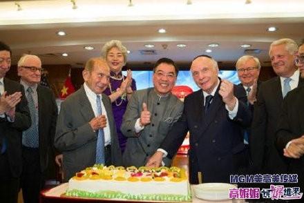 高娓娓:中国驻纽约总领馆隆重举行国庆70周年招待会_图1-6