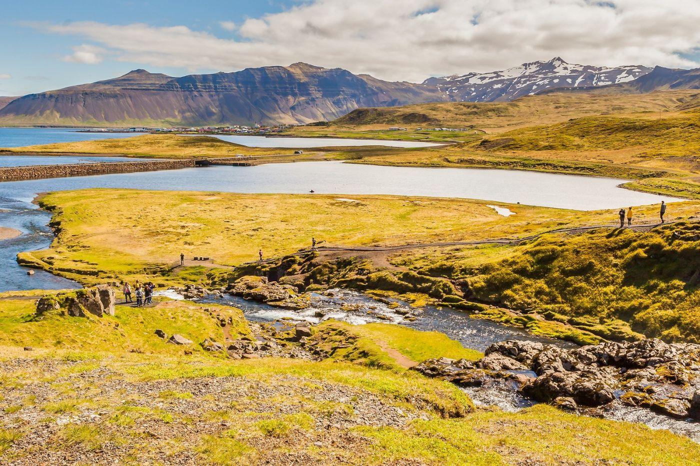 冰岛Kirkjufellsfoss,山脚下的瀑布_图1-19