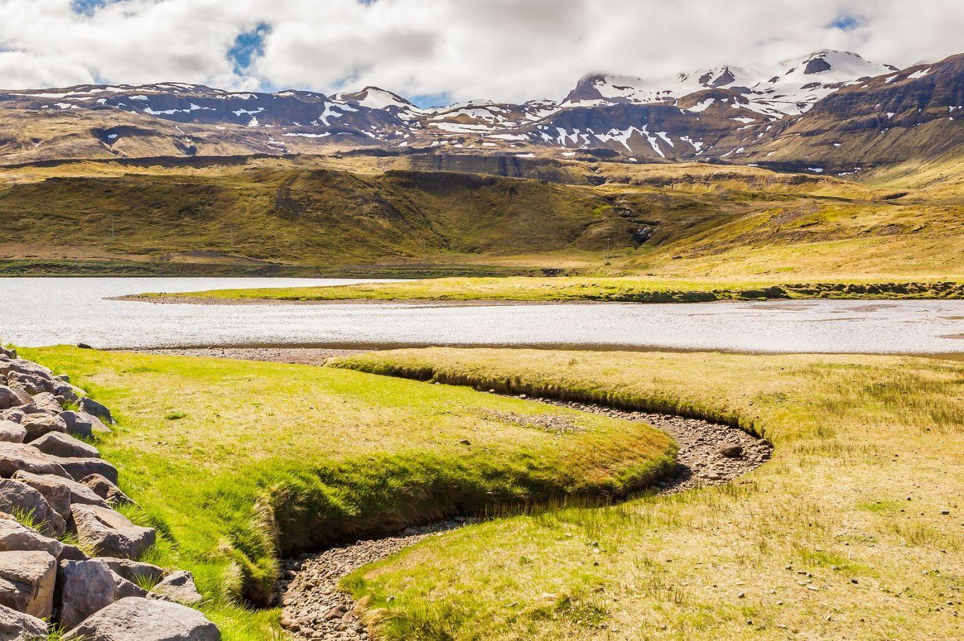 冰岛Kirkjufellsfoss,山脚下的瀑布_图1-15