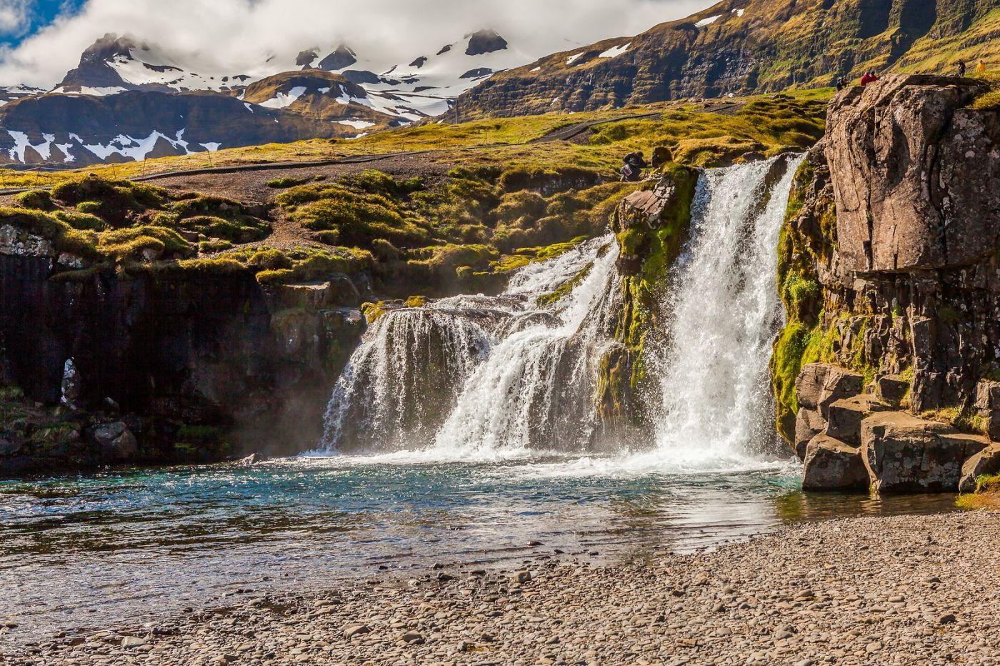 冰岛Kirkjufellsfoss,山脚下的瀑布_图1-1