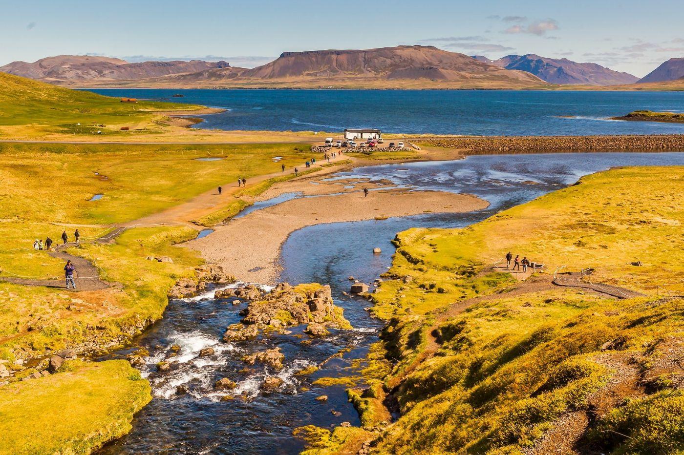 冰岛Kirkjufellsfoss,山脚下的瀑布_图1-8