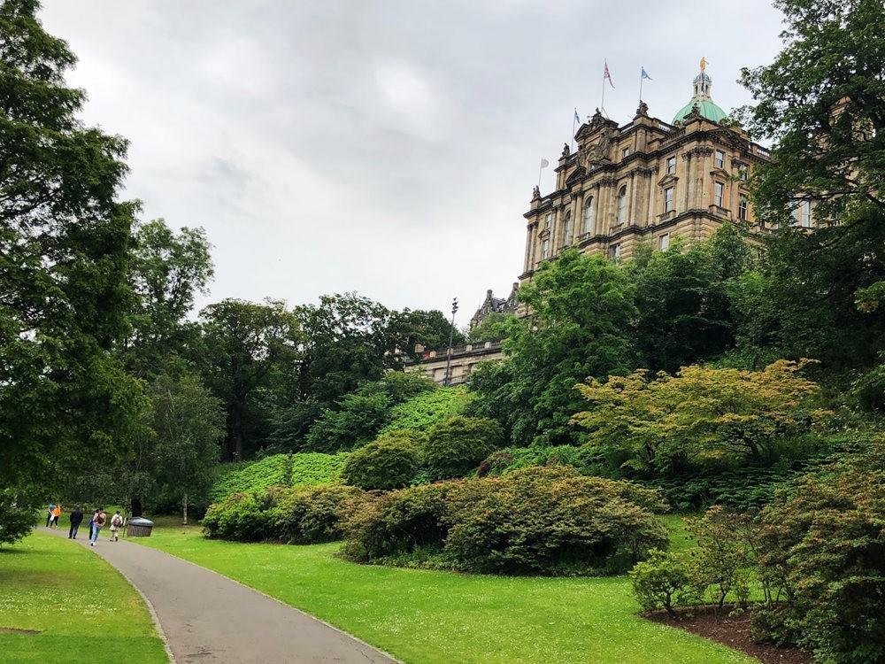 爱丁堡旧城区_图1-13
