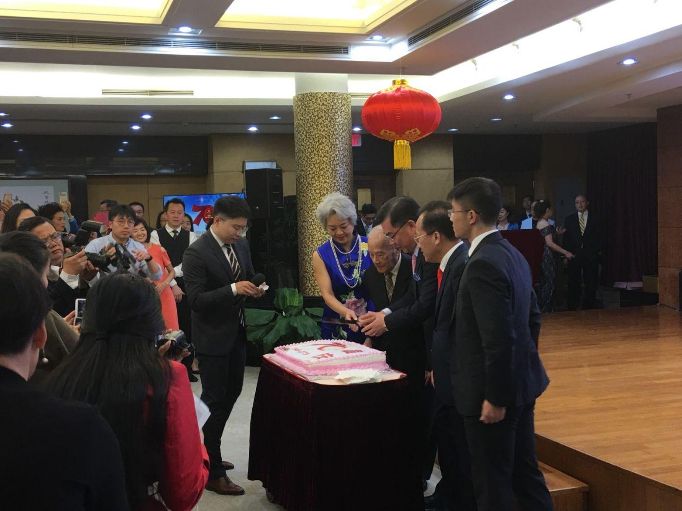 中国驻纽约总领事馆舉辦庆祝建国70周年招待會_图1-5