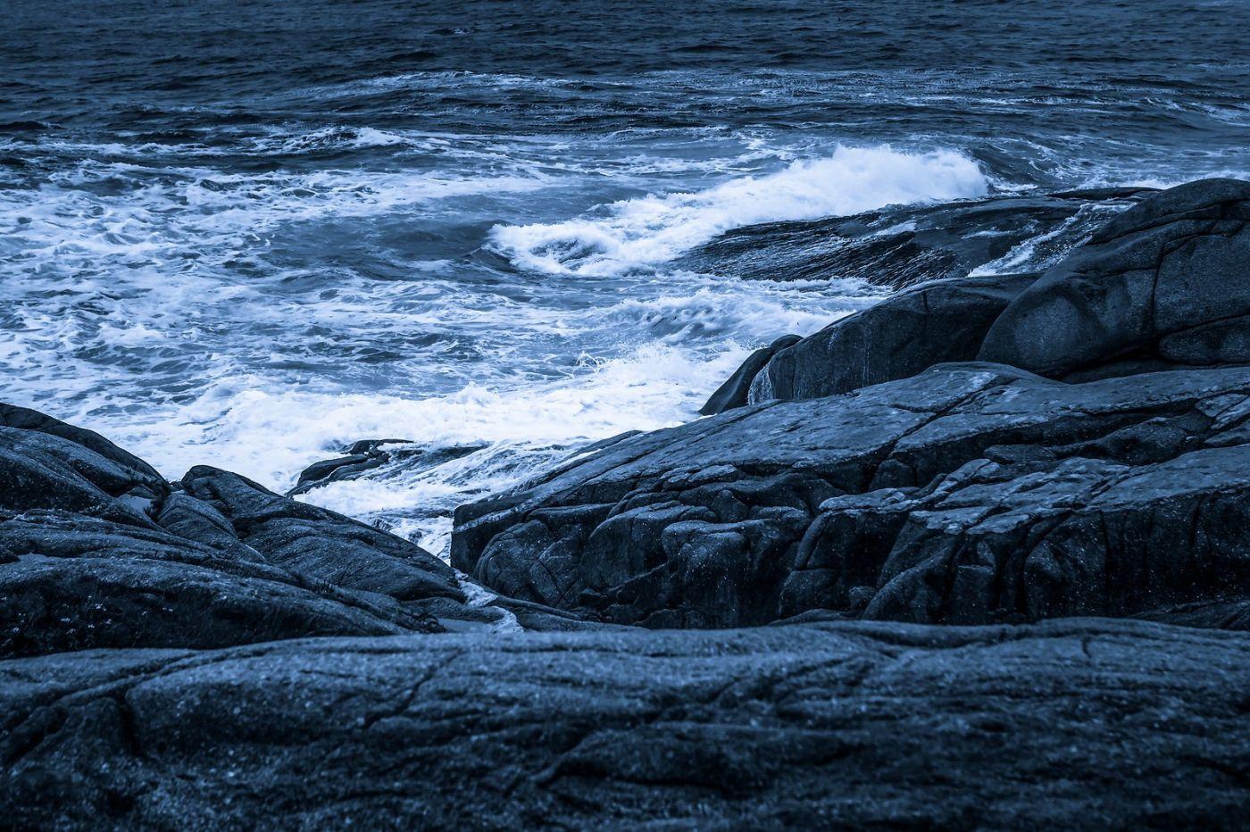 加拿大佩吉海湾(Peggys Cove),礁石上的灯塔_图1-25