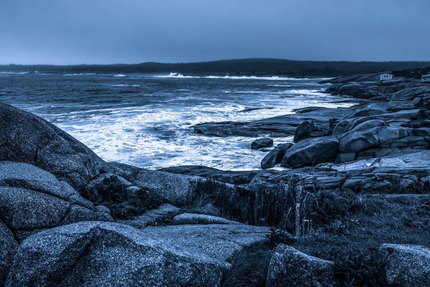 加拿大佩吉海湾(Peggys Cove),礁石上的灯塔_图1-24