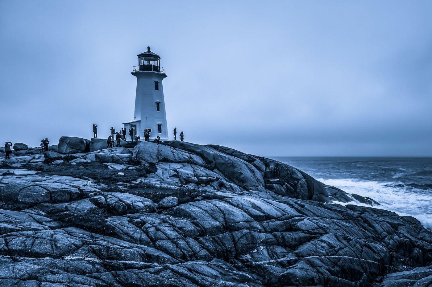 加拿大佩吉海湾(Peggys Cove),礁石上的灯塔_图1-11