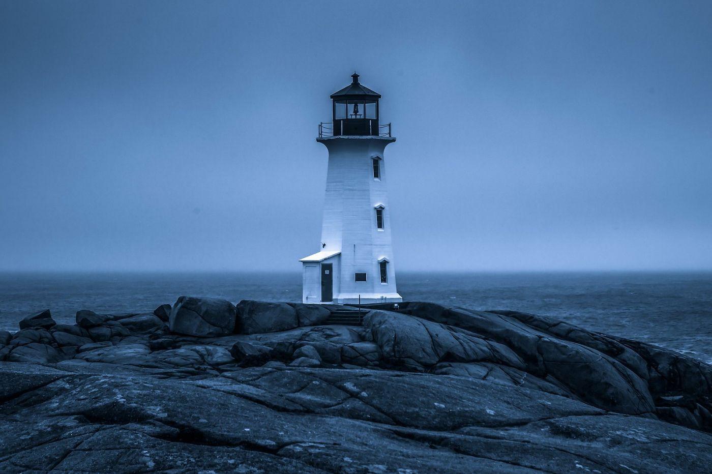 加拿大佩吉海湾(Peggys Cove),礁石上的灯塔_图1-1