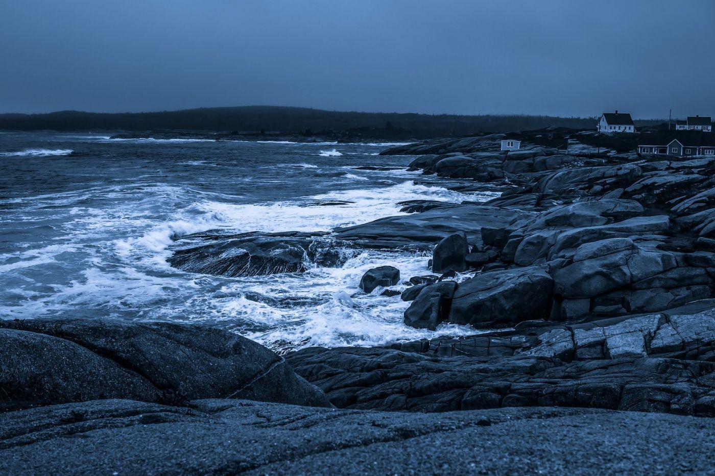 加拿大佩吉海湾(Peggys Cove),礁石上的灯塔_图1-2