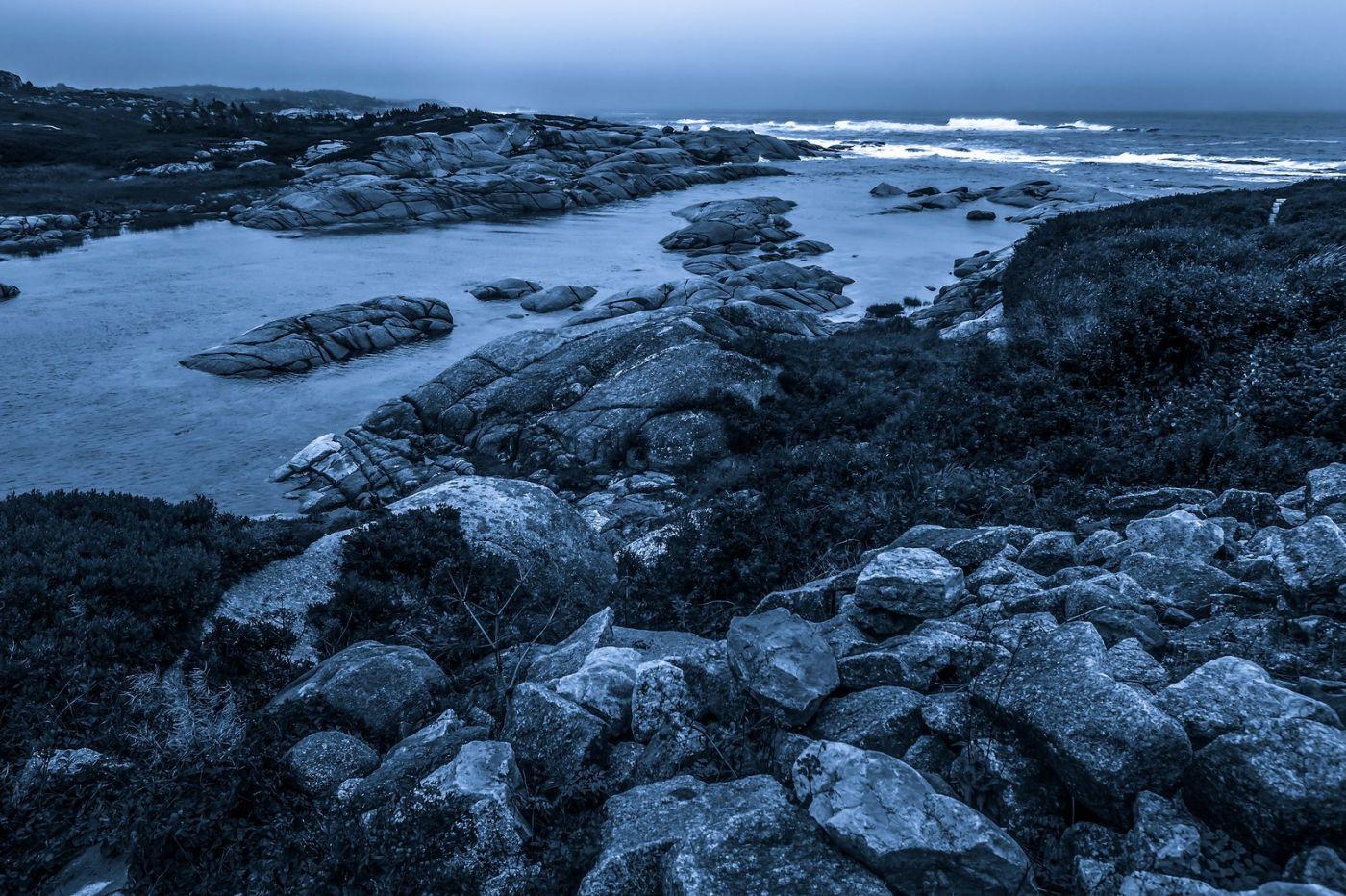 加拿大佩吉海湾(Peggys Cove),礁石上的灯塔_图1-3