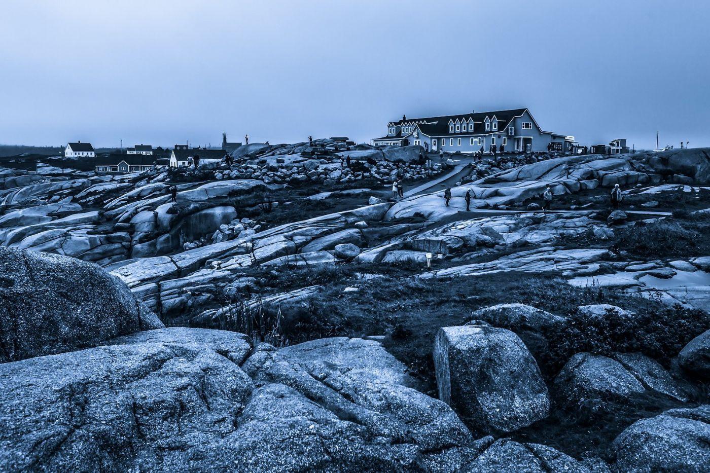加拿大佩吉海湾(Peggys Cove),礁石上的灯塔_图1-4