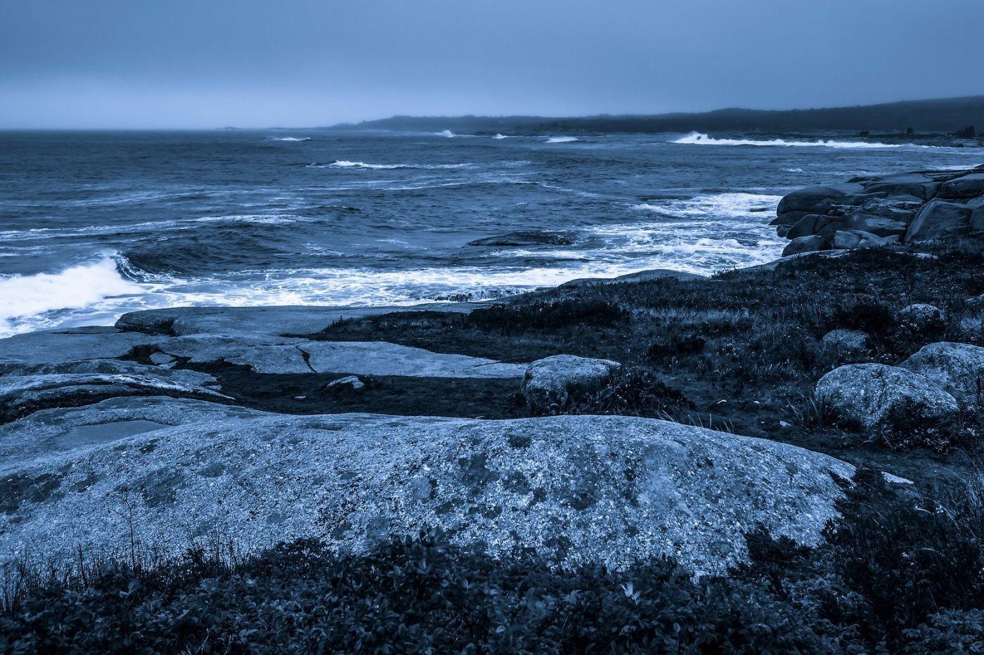 加拿大佩吉海湾(Peggys Cove),礁石上的灯塔_图1-13