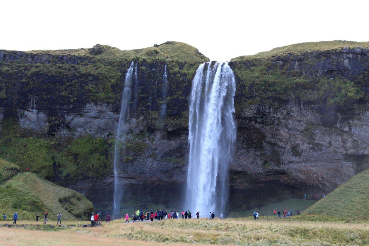 冰岛水帘洞瀑布和彩虹瀑布_图1-1