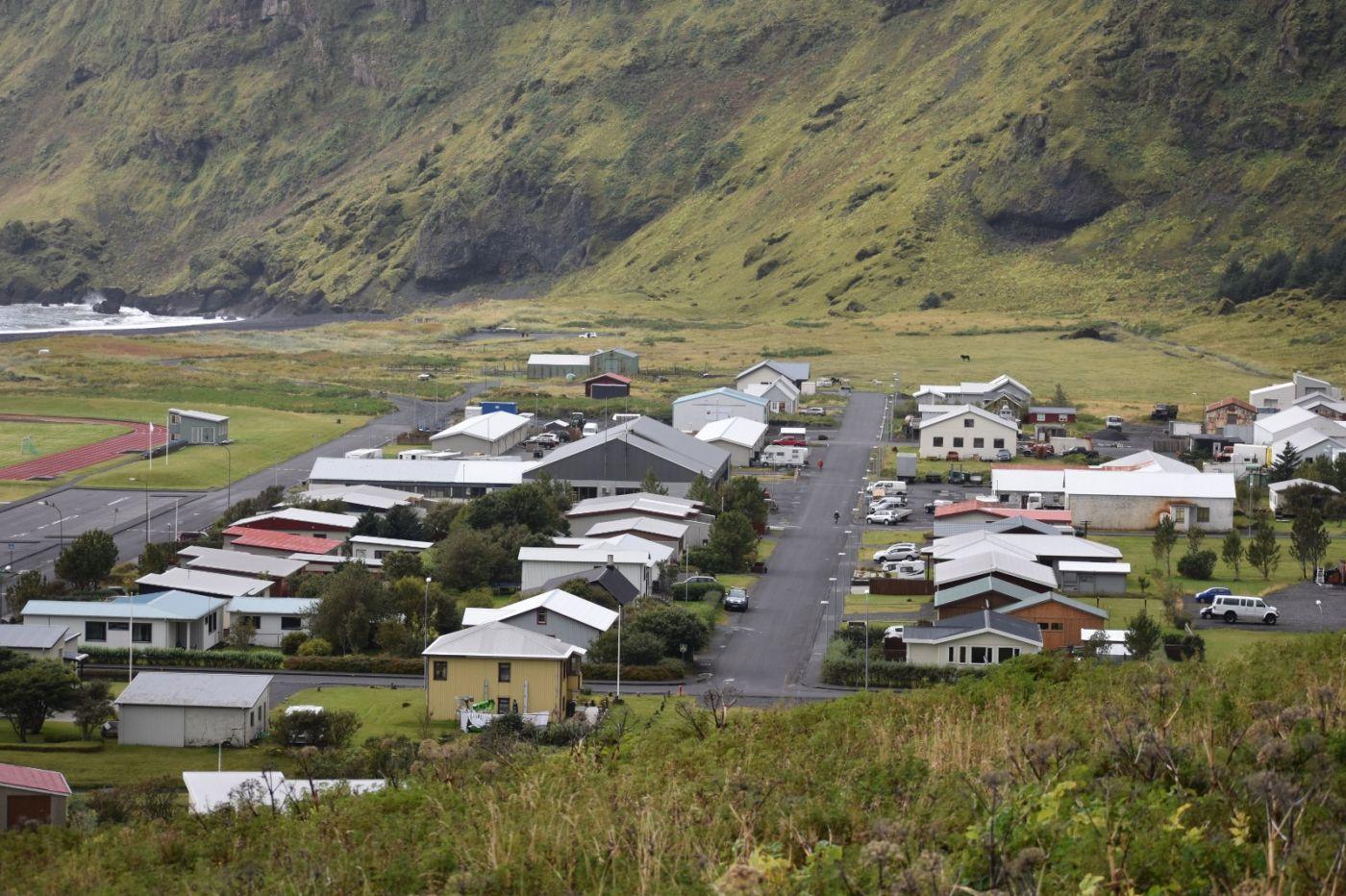 冰岛维克镇和雷尼斯黑沙滩_图1-5