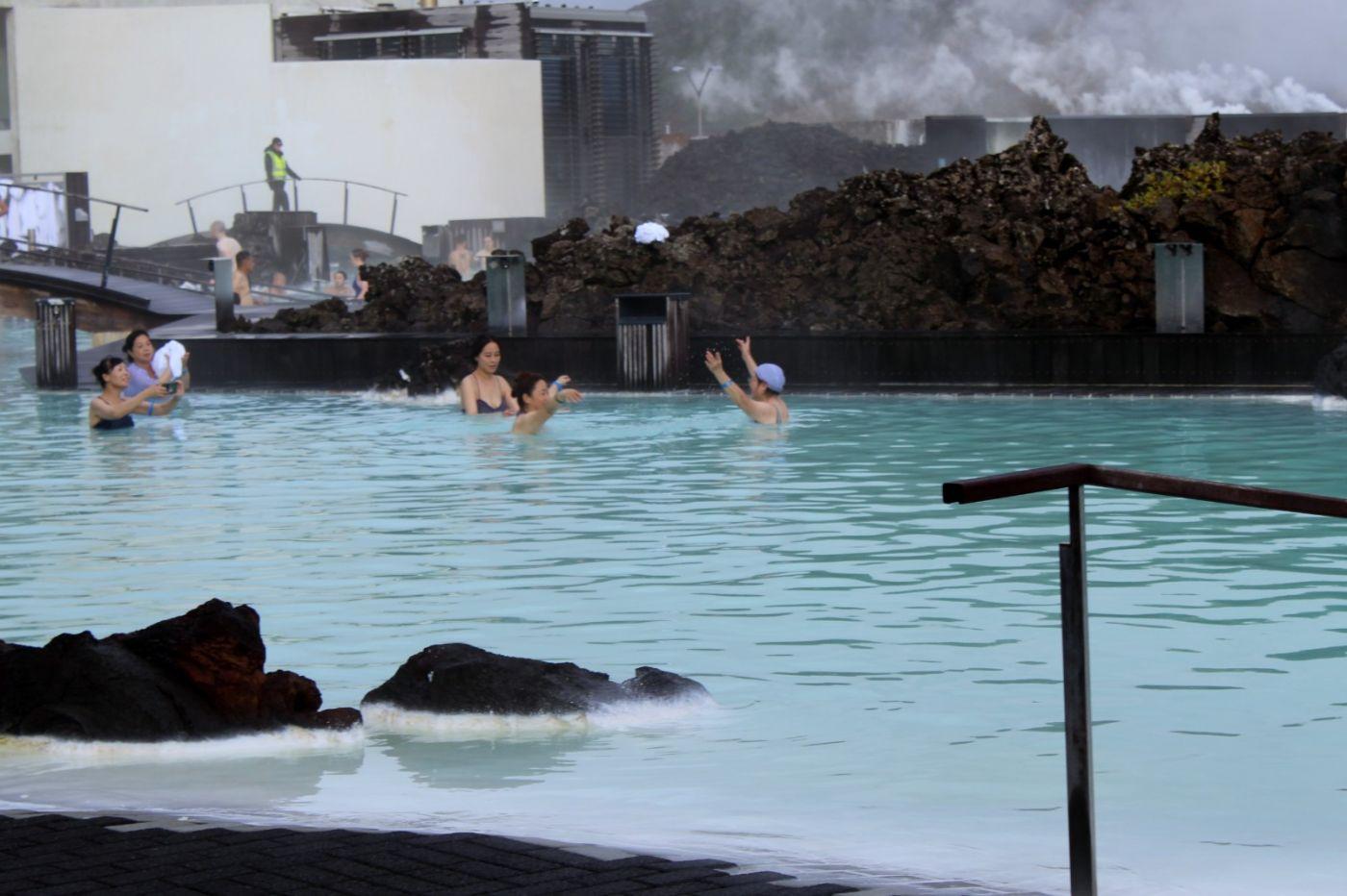 冰岛蓝湖温泉和苔原_图1-3