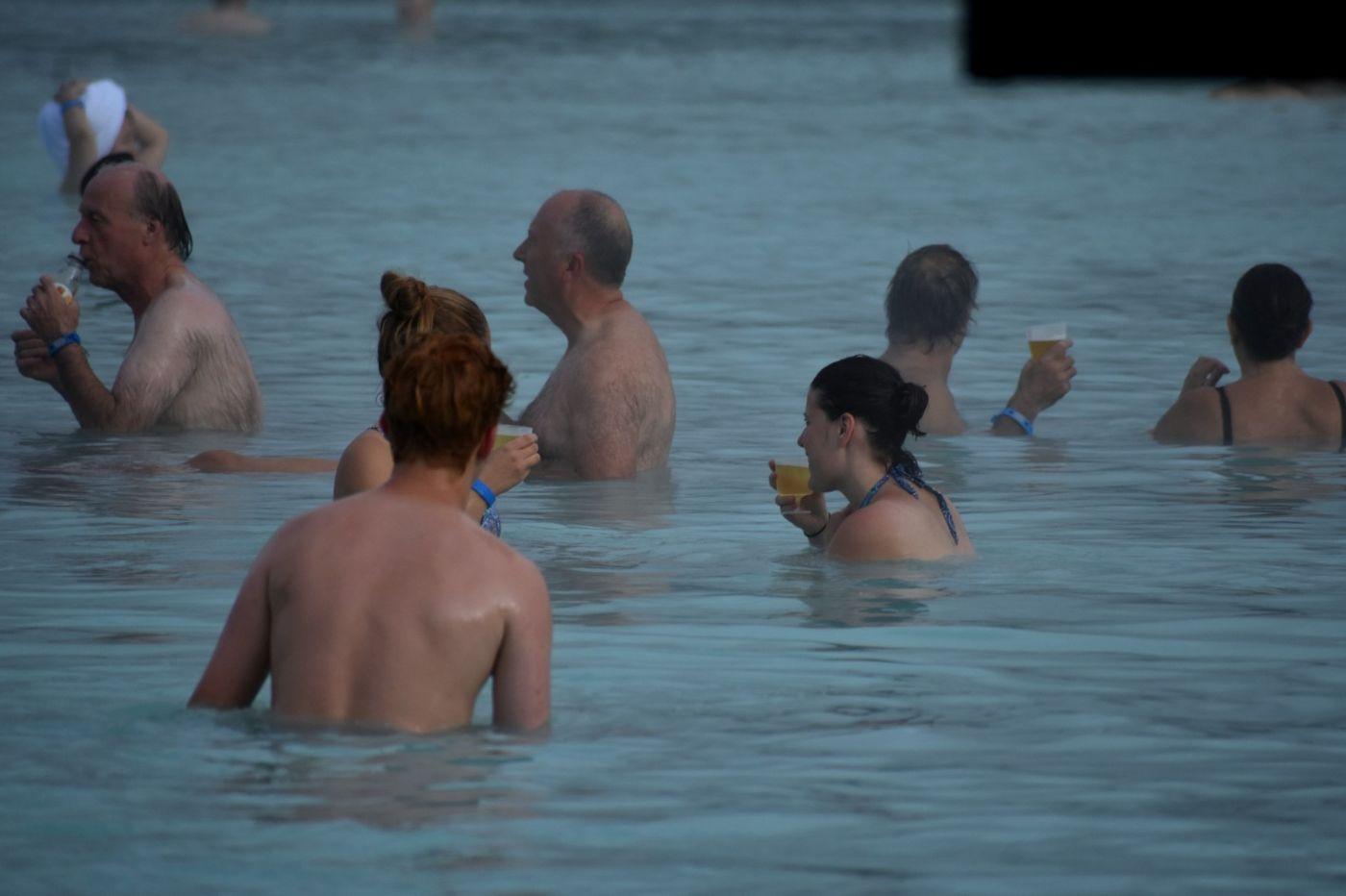 冰岛蓝湖温泉和苔原_图1-17