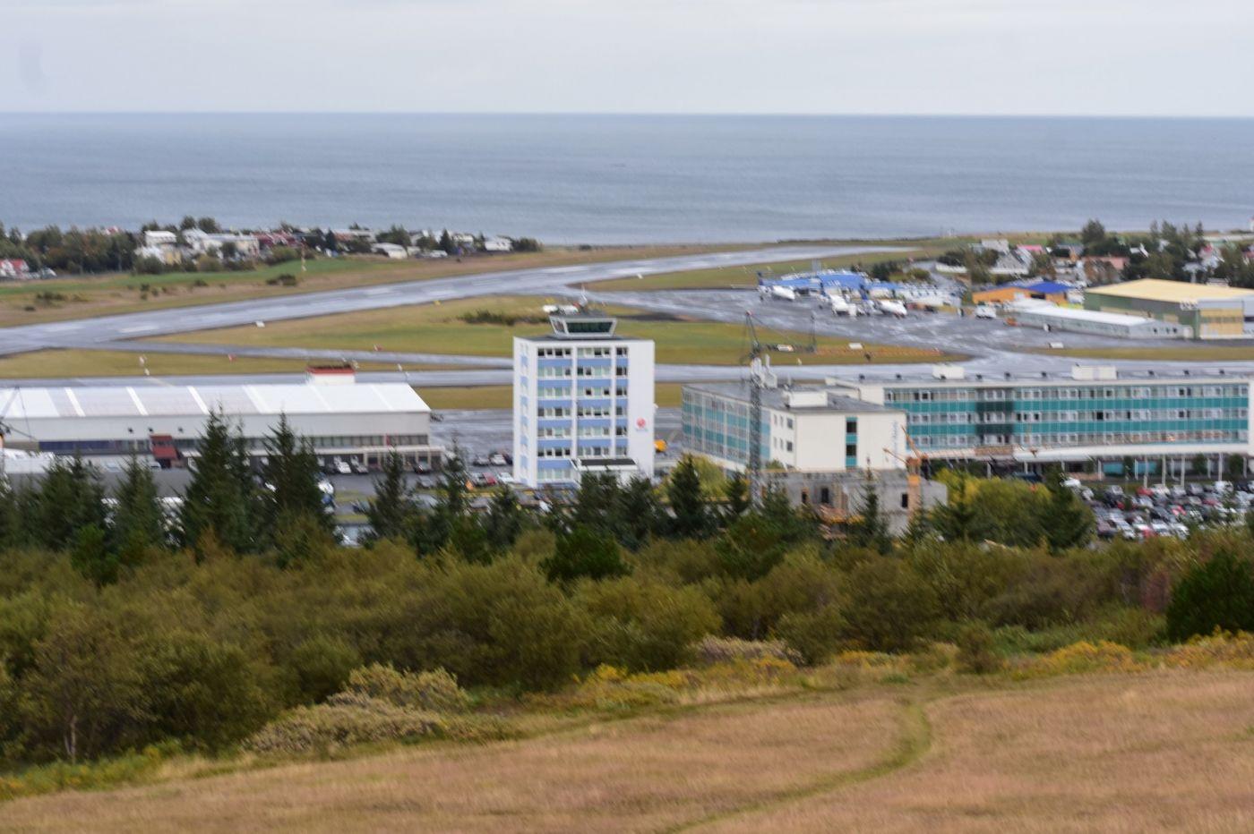 冰岛首都雷克雅未克_图1-9
