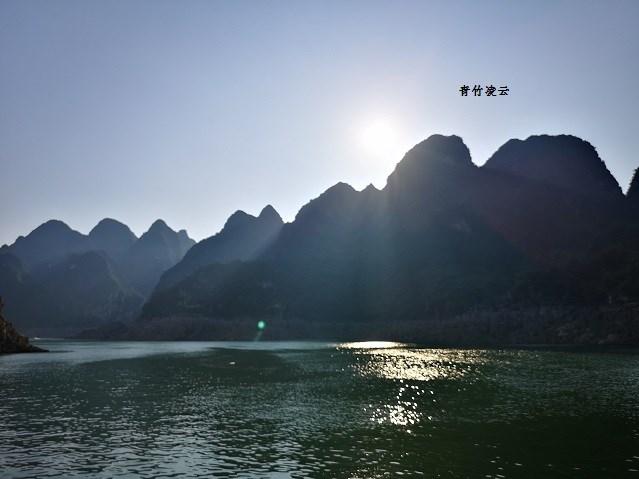 【青竹凌云】奇美万峰湖 水软俊伟峰(原创摄影诗歌)_图1-8