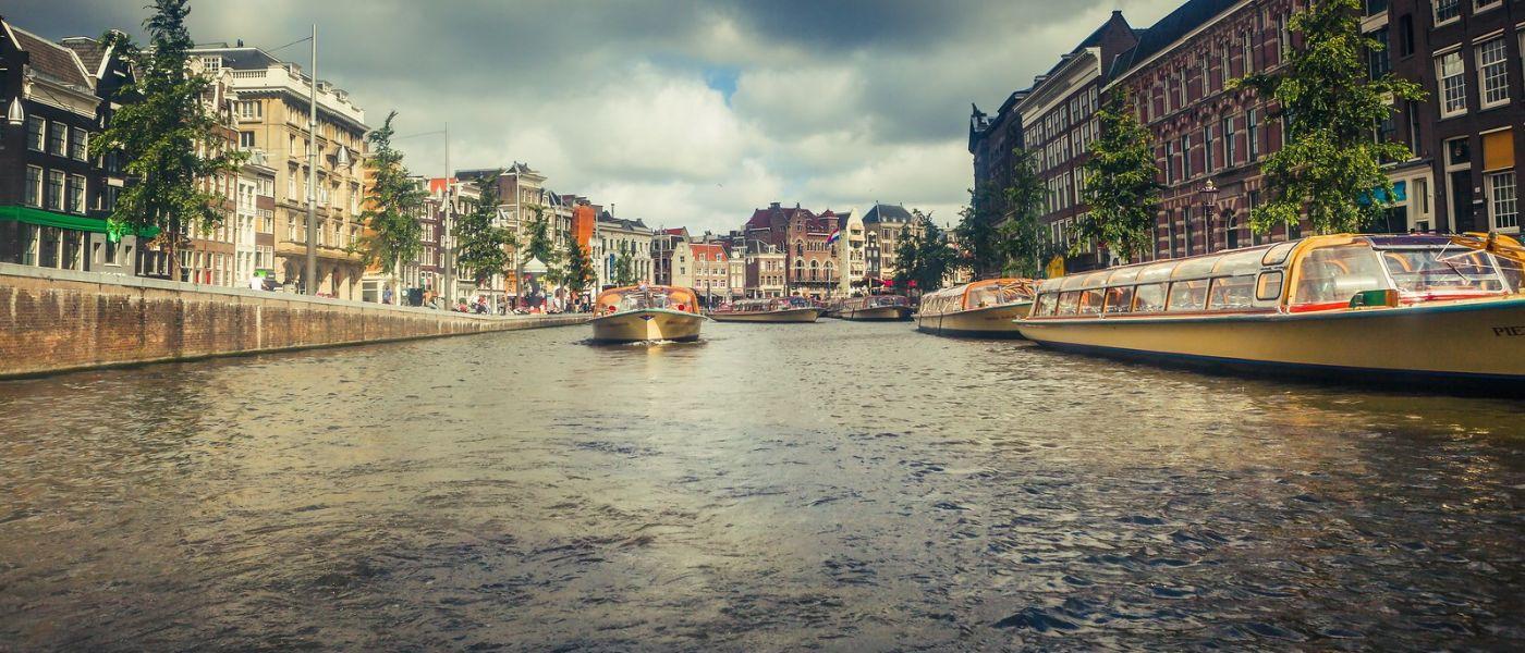 荷兰阿姆斯特丹,四通八达的城中河_图1-30