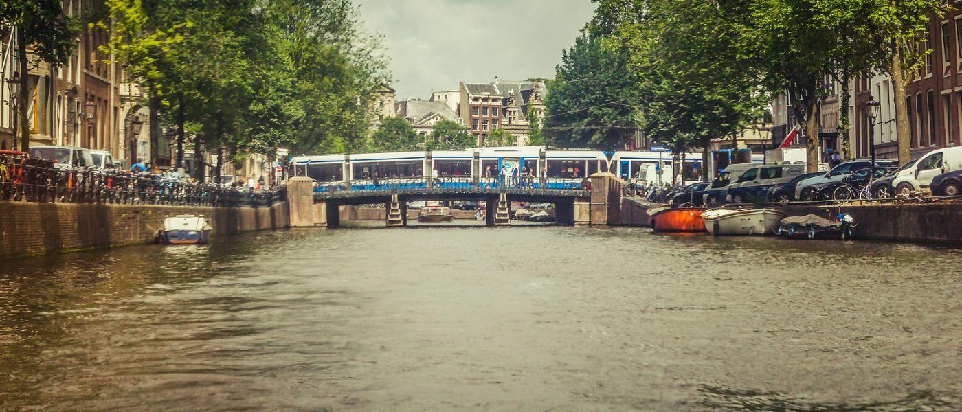 荷兰阿姆斯特丹,四通八达的城中河_图1-17