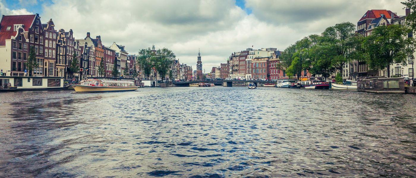 荷兰阿姆斯特丹,四通八达的城中河_图1-15