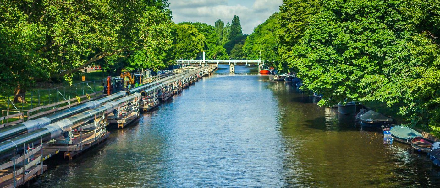 荷兰阿姆斯特丹,四通八达的城中河_图1-2