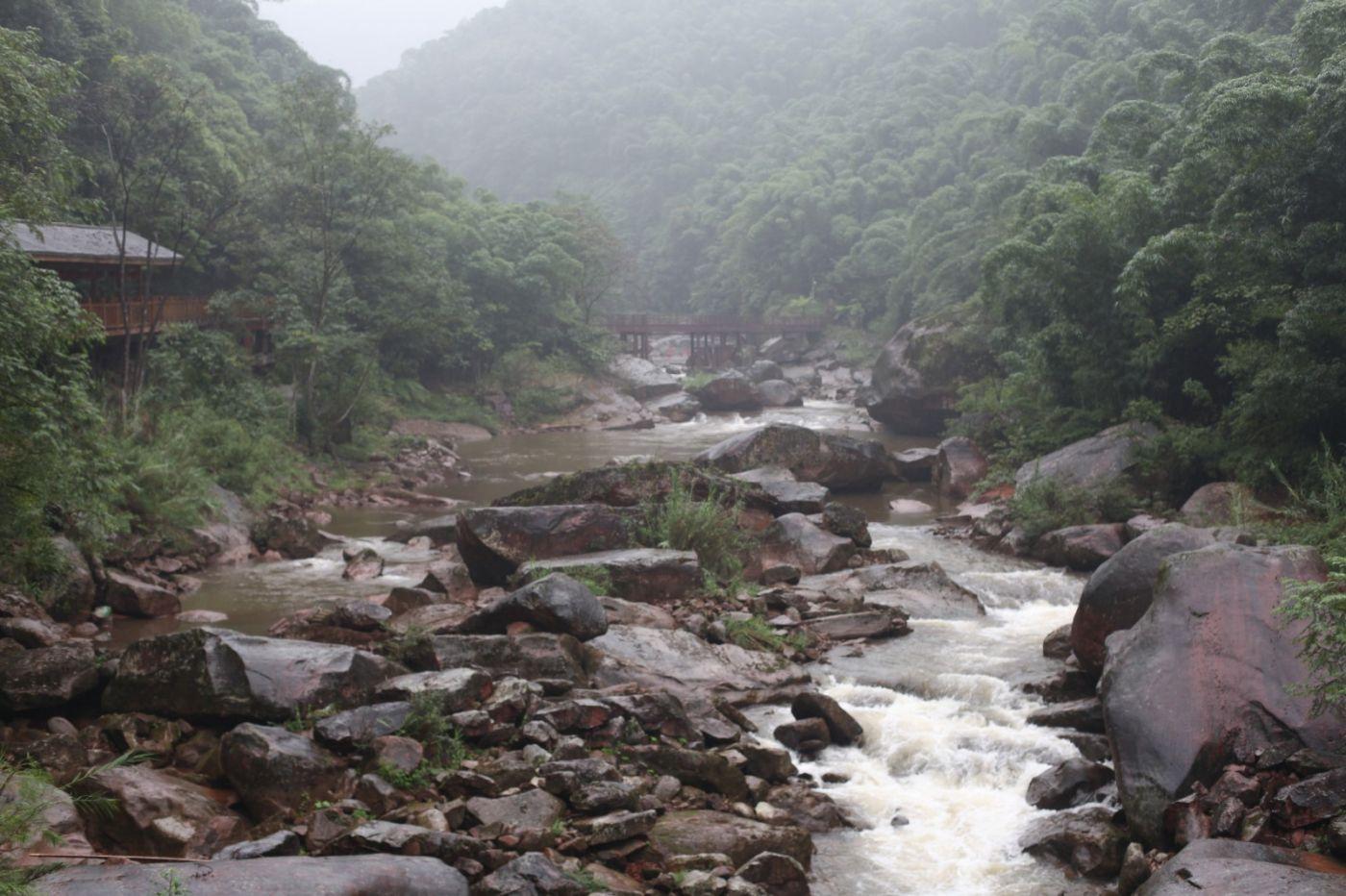 孕育了天赐尤物茅台酒的山野、林莽、溪流和河水那个空间_图1-1