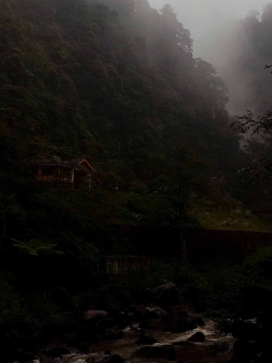 孕育了天赐尤物茅台酒的山野、林莽、溪流和河水那个空间_图1-9