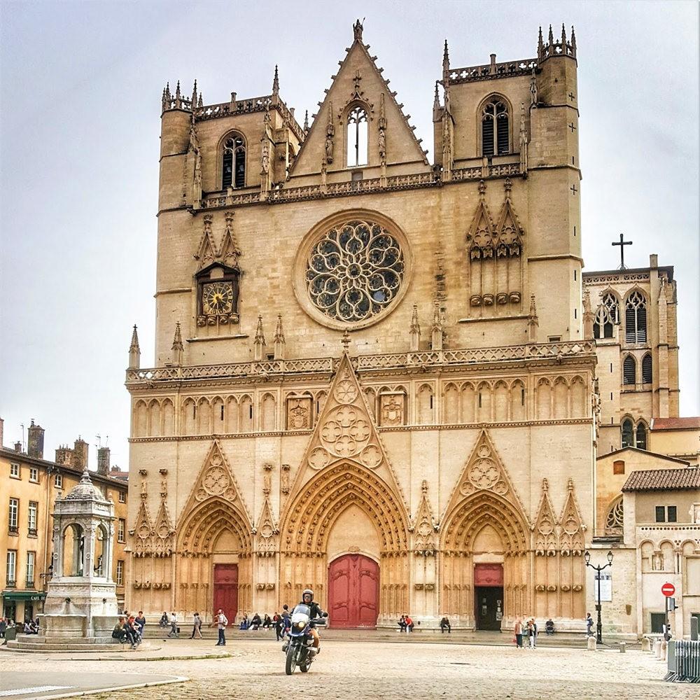 里昂值得探索的10大景点_图1-4