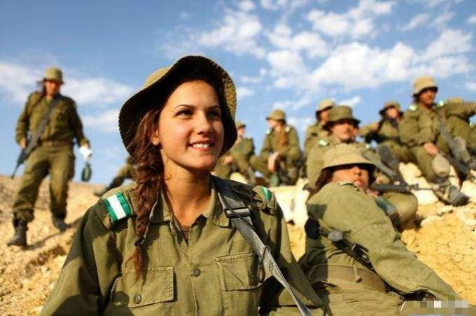 亚洲年薪最高国家:人均可达30万,军队1/3为女性,服役女兵穿着暴露风情迷人 ..._图1-2