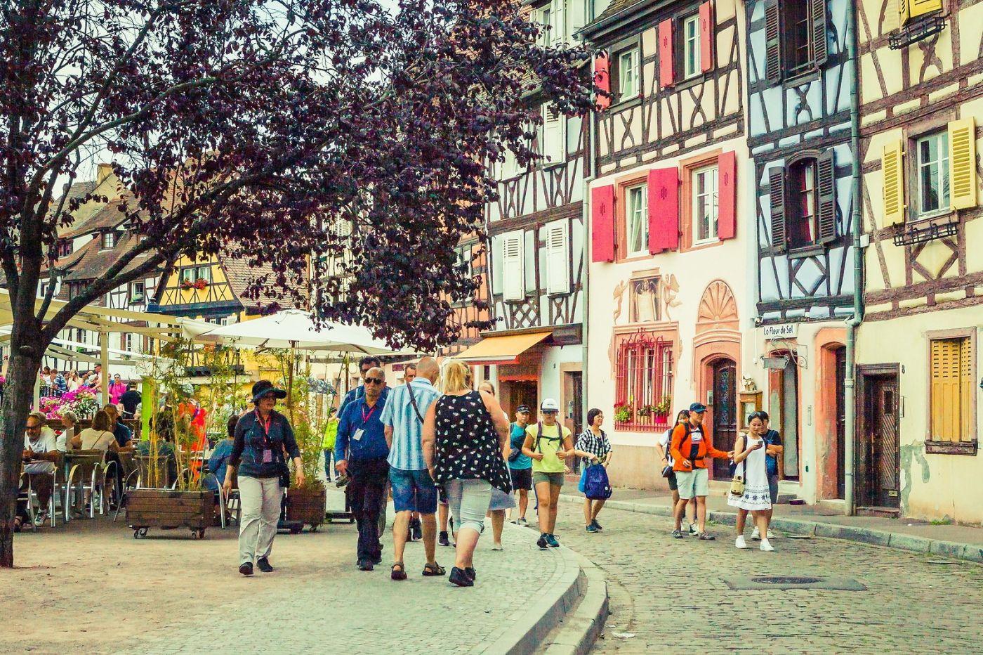 法国科尔马(Colmar),街口路拍_图1-4