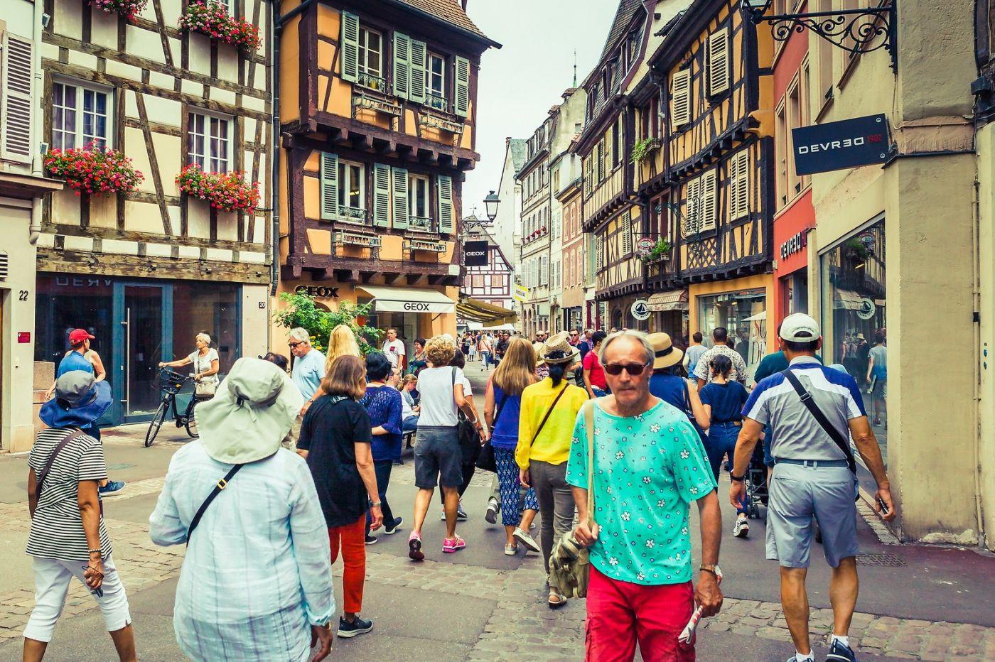 法国科尔马(Colmar),街口路拍_图1-2