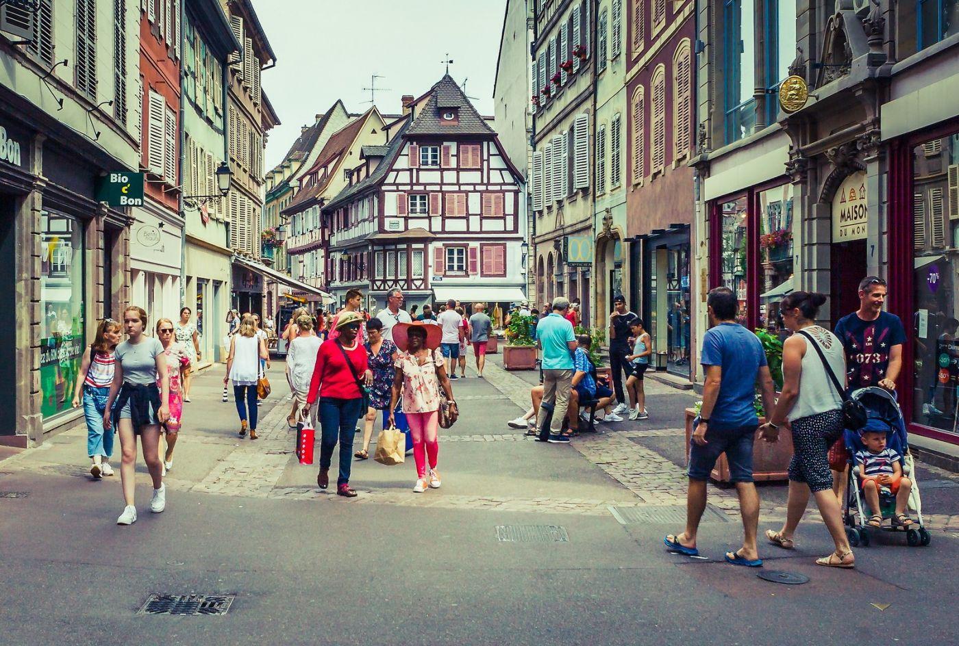 法国科尔马(Colmar),街口路拍_图1-37