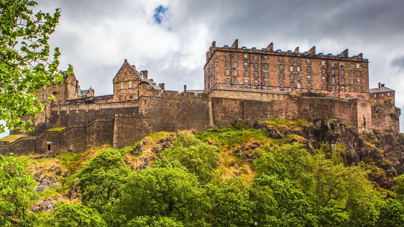 苏格兰爱丁堡城堡(Edinburgh Castle),城市的象征_图1-3