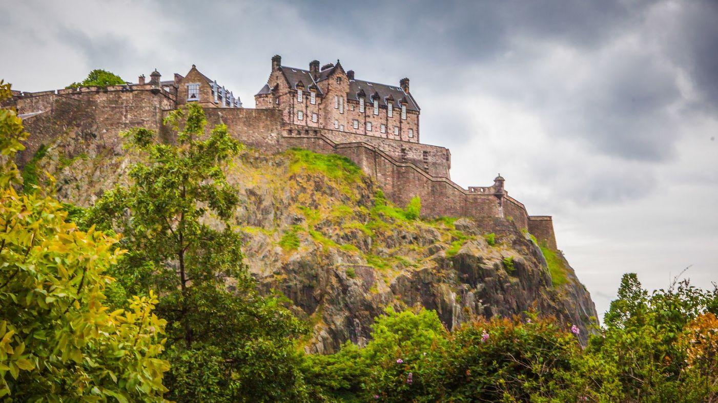 苏格兰爱丁堡城堡(Edinburgh Castle),城市的象征_图1-2