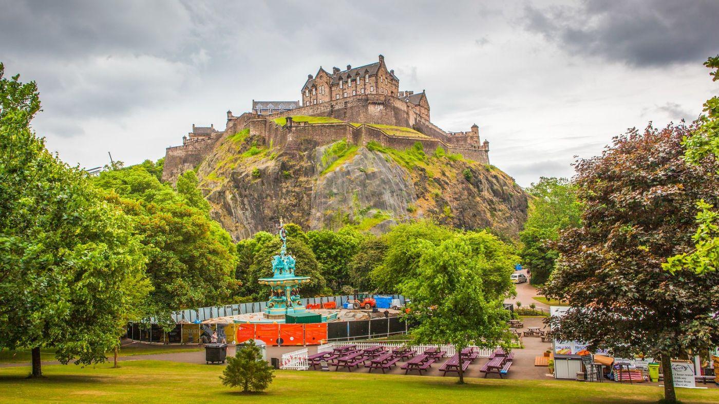 苏格兰爱丁堡城堡(Edinburgh Castle),城市的象征_图1-1