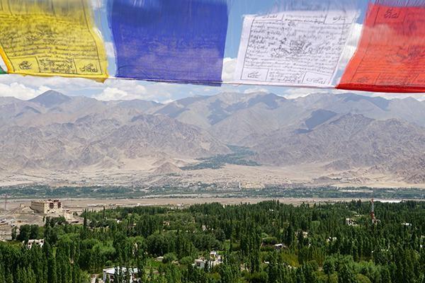 这里是中国西藏 拉达克地区,世界上道路最崎岖惊险、最荒芜的山地之一 ..._图1-4