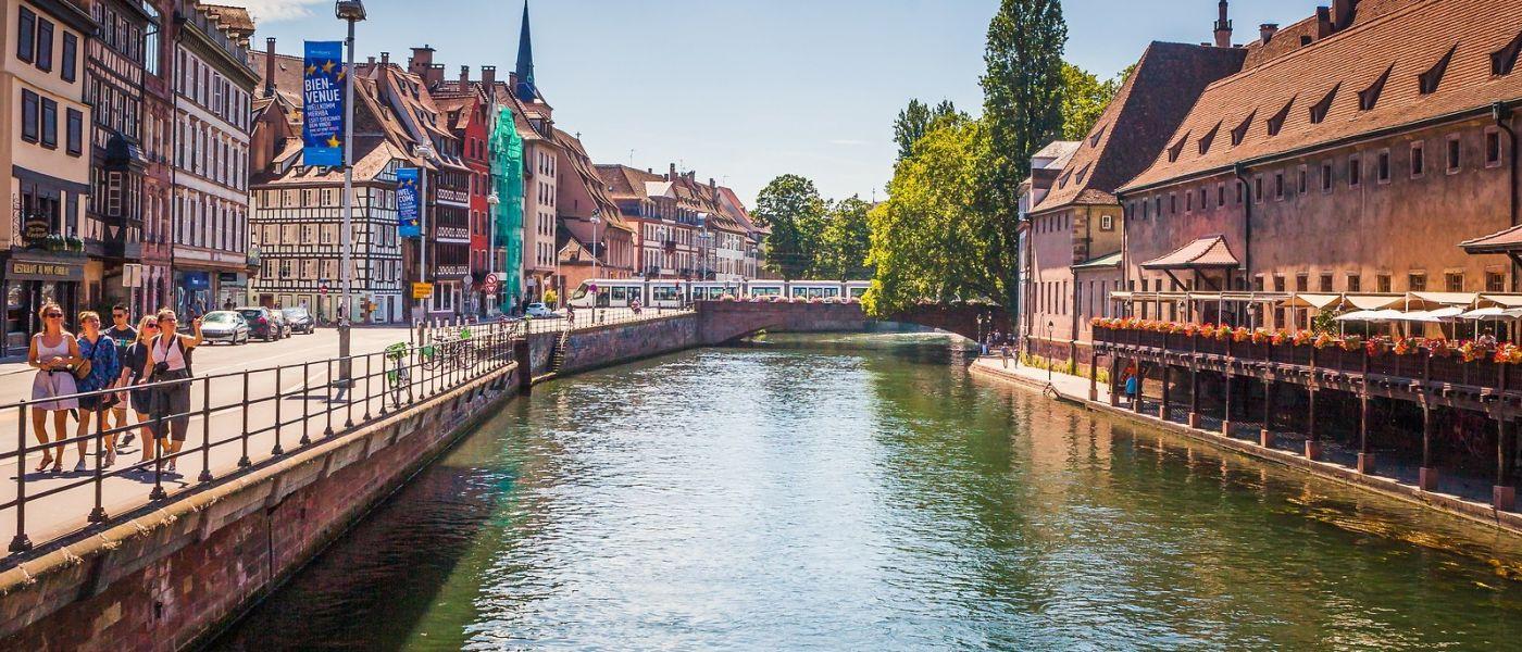 法国斯特拉斯堡(Strasbourg),桥上桥下_图1-2