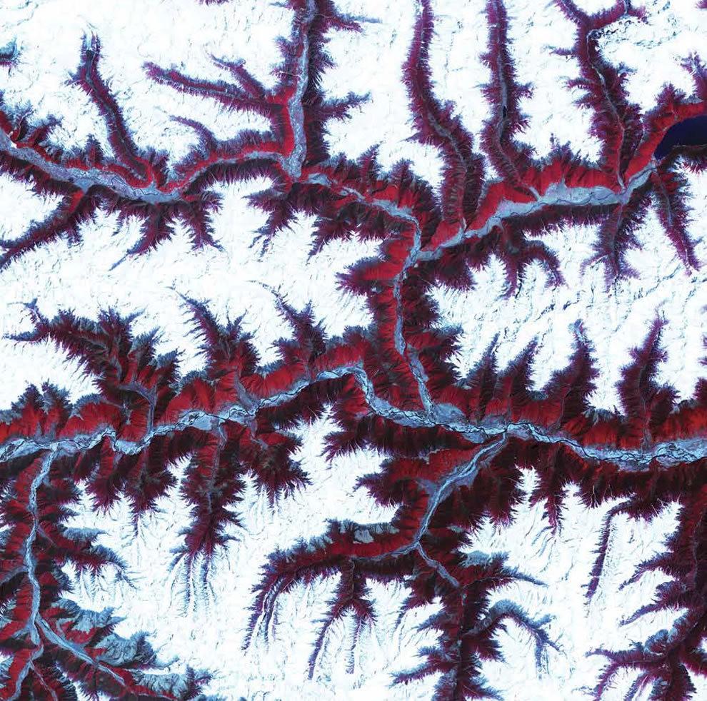 从卫星照片看地球_图1-16