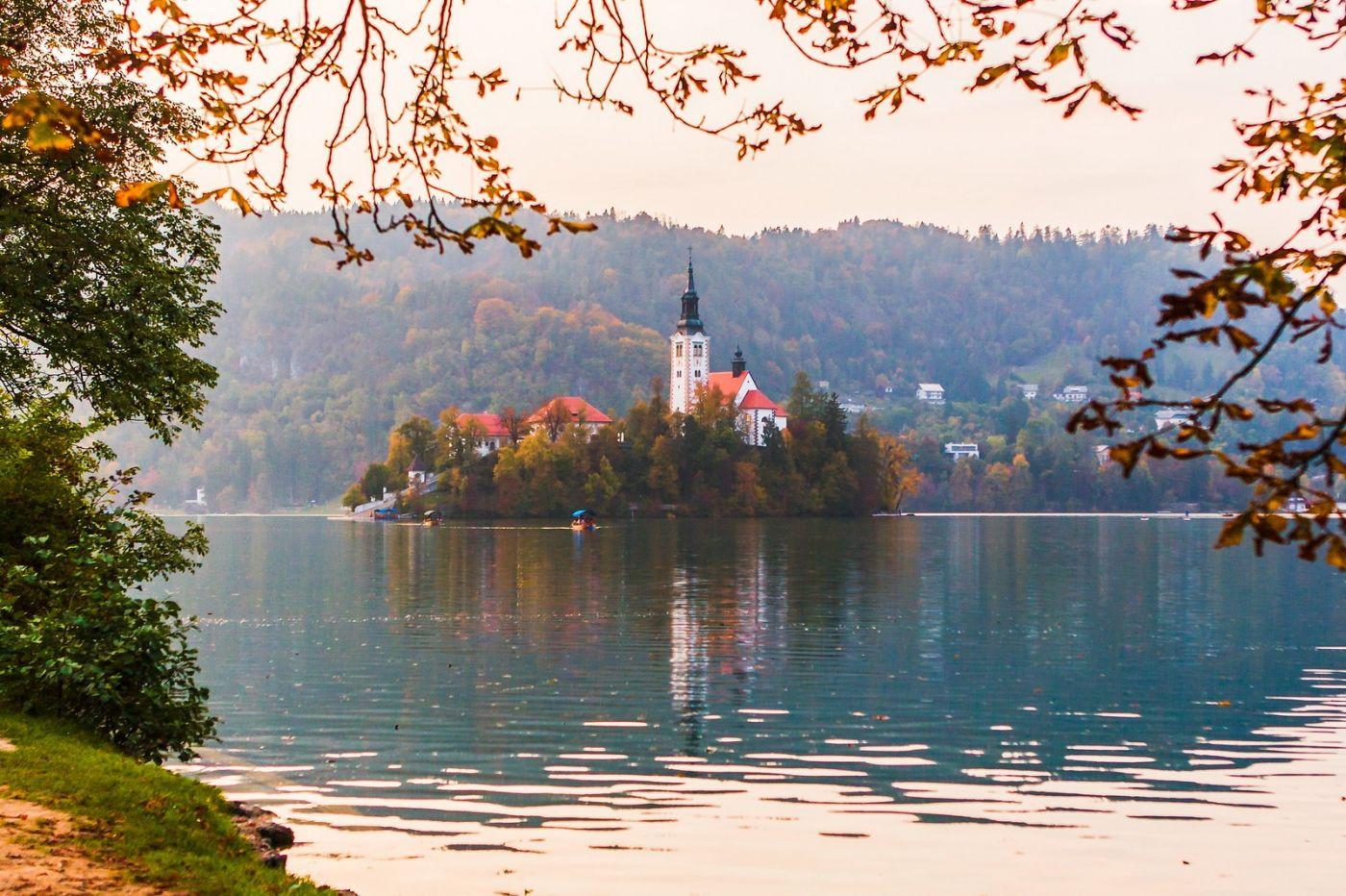 斯洛文尼亚布莱德湖(Lake Bled),湖中教堂_图1-4