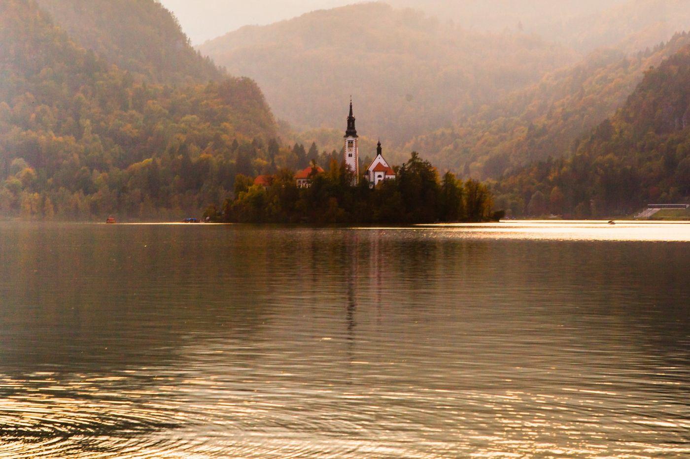 斯洛文尼亚布莱德湖(Lake Bled),湖中教堂_图1-7