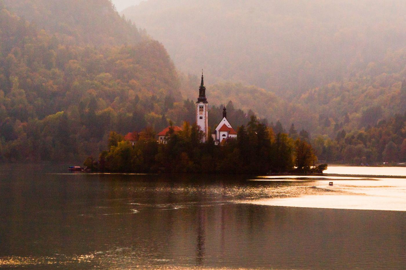 斯洛文尼亚布莱德湖(Lake Bled),湖中教堂_图1-9