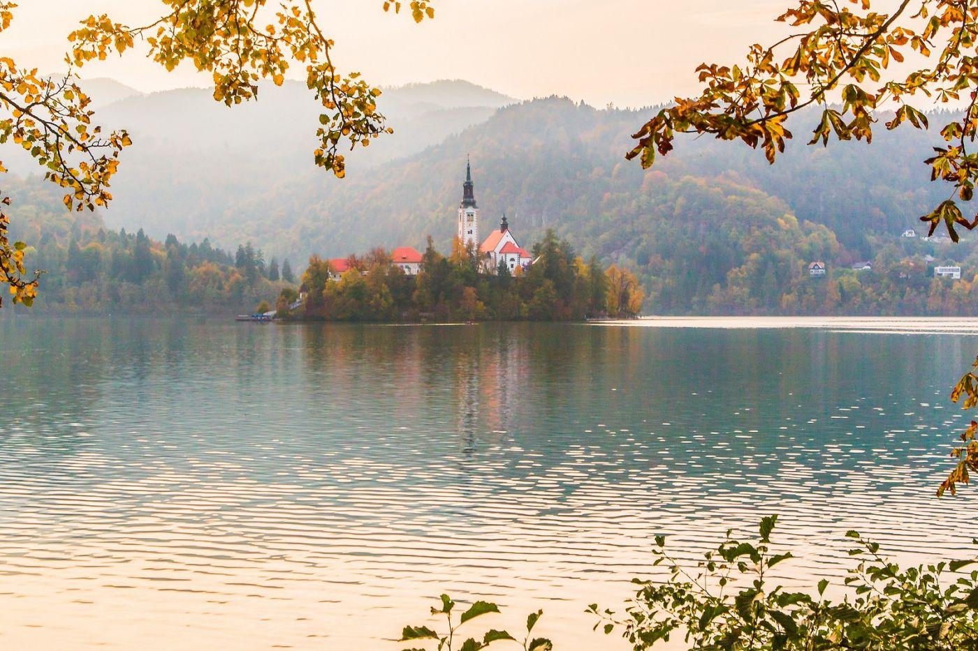 斯洛文尼亚布莱德湖(Lake Bled),湖中教堂_图1-8