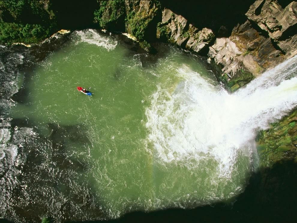 皮划艇运动员的死亡游戏_图1-14